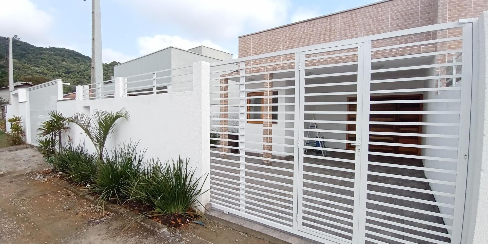 Linda Casa Geminada com 3 Quartos - Foto 10 de 14