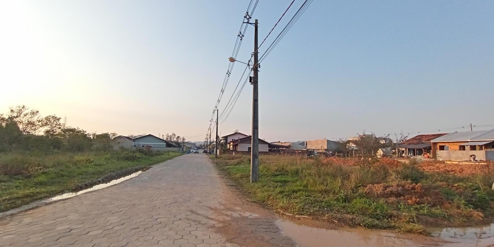 Amplo Terreno de Esquina no Loteamento Primavera - Foto 2 de 4